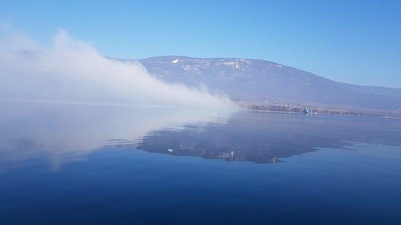 levé de brume à la Poissine sur un lac miroir... MAGNIFIQUE !!!